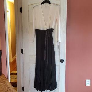 Lularoe Deanne Holiday Dress NWT sz S